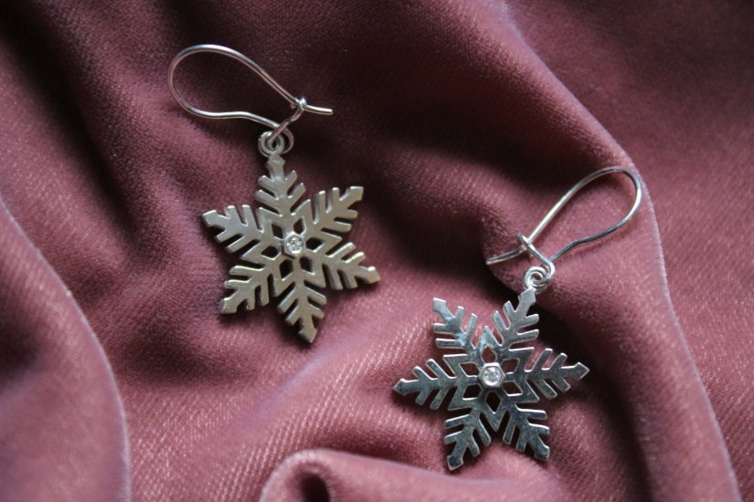 Snowflake Earrings: a review of ethical fine jewellery from Ingle & Rhode